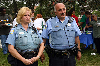 English: Chicago police officers
