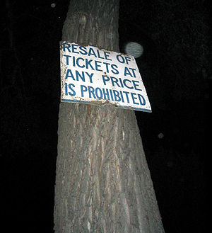 A sign prohibiting whitesox tickets resales (&...