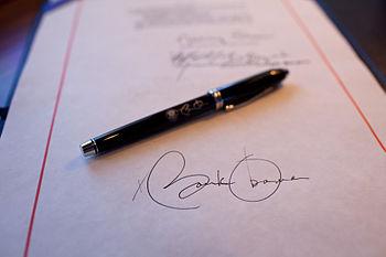 English: Close-up detail of President Obama's ...